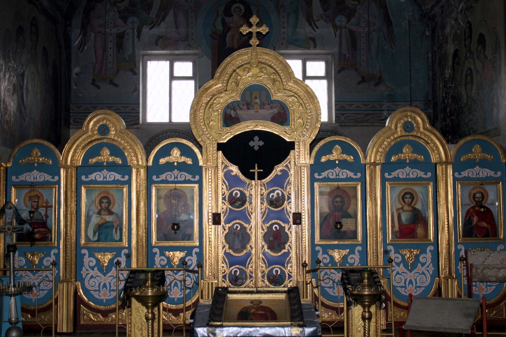 предел  Свято-Рождество-Богородичного храма в честь святого мученика Леонида